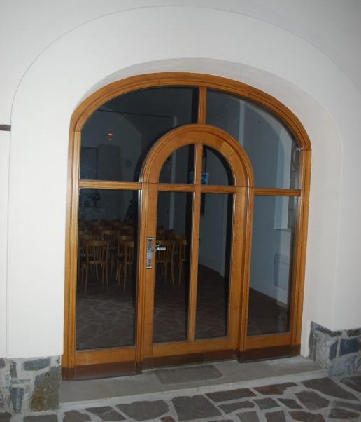 Dubové dveře do kalličky