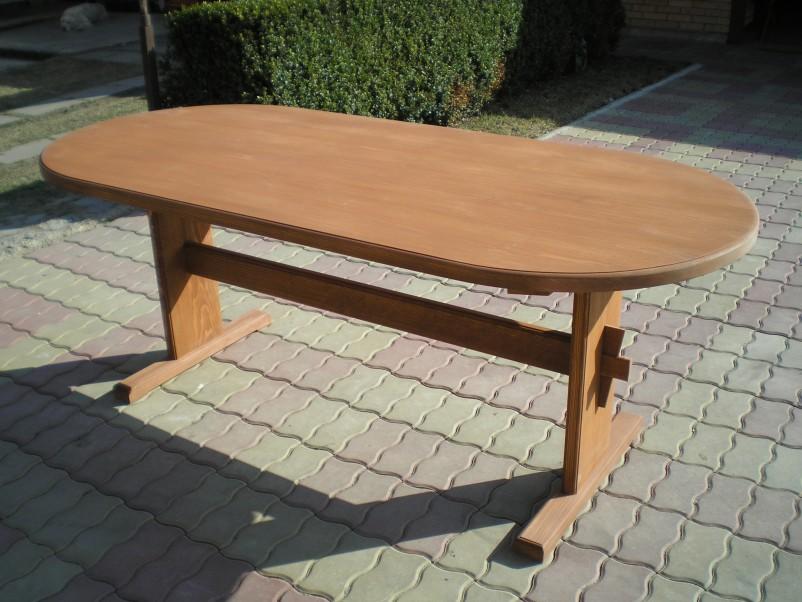 Stůl ovál