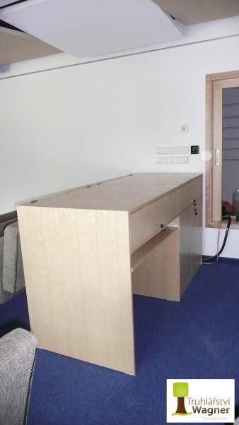 Stůl zvukaře